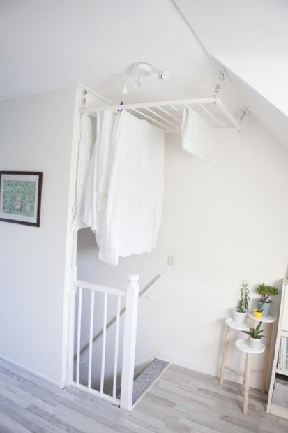 laundry hanging rack